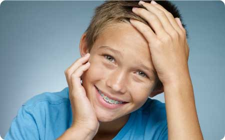 ortodoncia infantil en burgos niños sonriendo