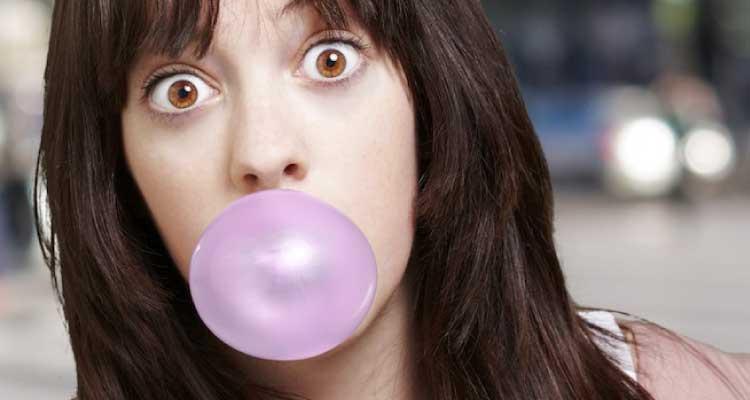 masticar chicle salud dental burrgos